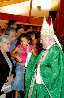 Cardenal Luis Aponte Martínez y Santa Isabel