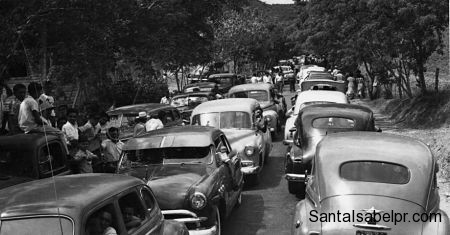 caravana de carro a la salida de Sta Isabel 1953_opt